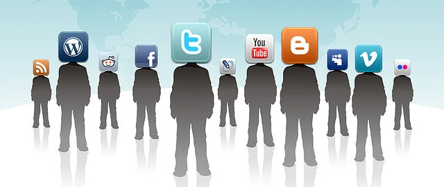 Social Media 01 By Rosaura Ochoa